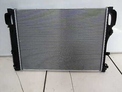 GENUINE MERCEDES S CLASS W221 COOLANT RADIATOR P/N: A2215002603 REF 07Q03