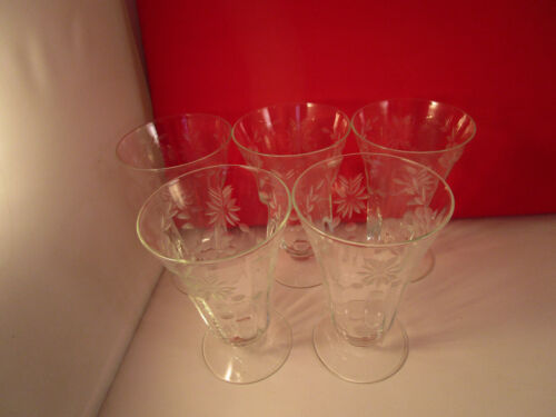 Vintage Set of 5 Clear Glass Etched Flower Daisy Garland Juice Liquor Glasses