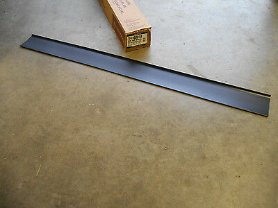ARMSTRONG FPV4160018 JET BLACK VINYL WALL BASE 4