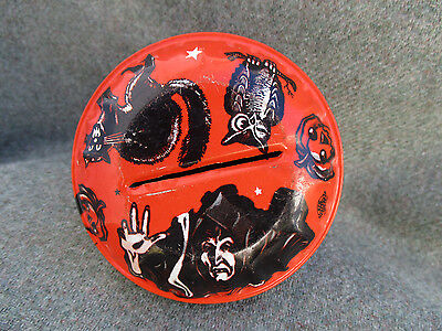 VINTAGE 1950s-1960s U.S. METAL TOY TIN HALLOWEEN RATTLE NOISEMAKER w WITCH