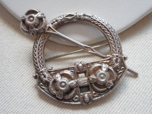 Vintage Iona Celtic Sterling Silver Round Brooch RE6507