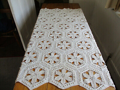 VINTAGE HAND MADE CROCHET TABLE COVER PATCHWORK POLYGON SHAPES 35