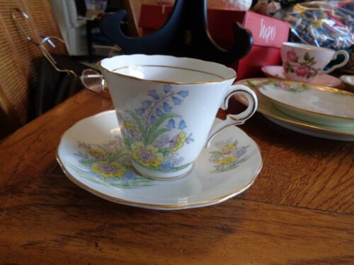COLCLOUGH GENUINE BONE CHINA CUP & SAUCER MADE IN LONGTON ENGLAND 6589