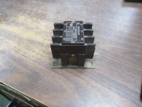 Arrow Hart Contactor ACC330U20 30A 120V Coil 600V Used