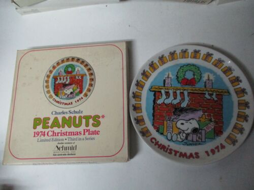 1974 Schmid Christmas Plate in Box - Snoopy Peanuts