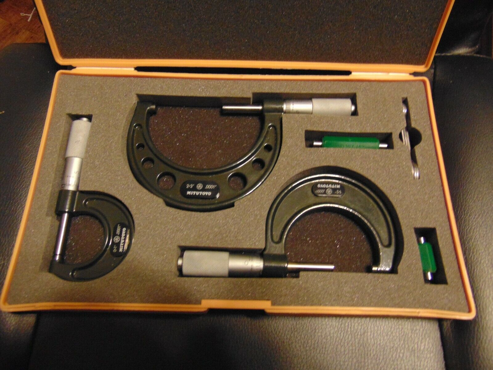 Mitutoyo Outside Micrometer Set With Standards, 0-3