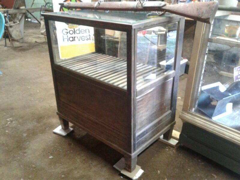 Amazing early cigar humidor display case- Cremo cigars