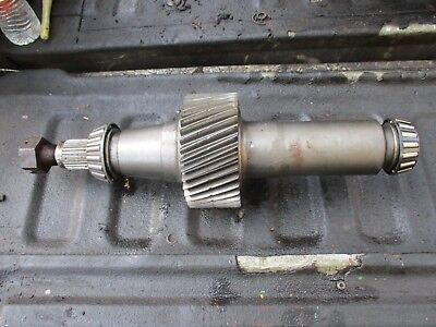1983 John Deere 8450 4x4 Tractor R65313 Upper Transfer Transmission Gear Shaft