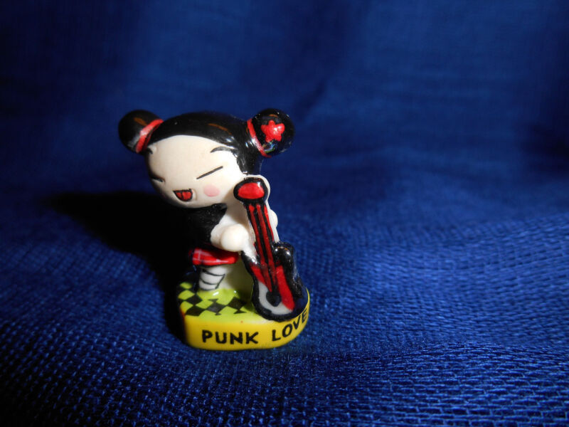 PUCCA with GUITAR PUNK LOVE Mini Figurine French Porcelain FEVES Checkered Base