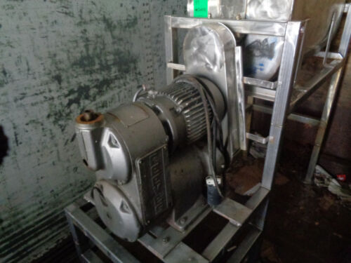 RIBBON BLENDER 8 CUBIC FT STAINLESS STEEL. USED
