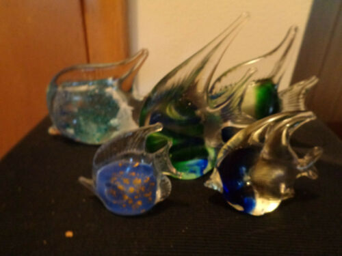 5 Small to Large Art Glass Colorful Fish Figurines Paperweights