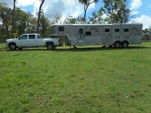BISON 35 FT COACH PUSH OUT, 3 PLUS HORSES, SILVERADO DUALY