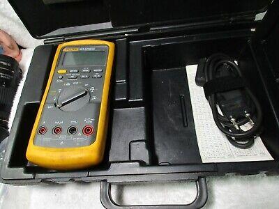 Fluke Fluke-88-5 88v 1000v Automotive Multimeter With Spark Plug Clamp Case