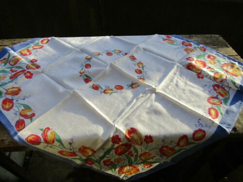 "Vintage Floral Patterned Tablecloth 31"" x 35"" 1950s Era"