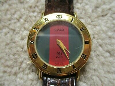 Vintage Womans Gucci Watch Red And Green. Crocodile Band. New Battery. Works.