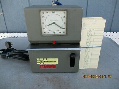 Lathem Model 2121 Heavy Duty Time Clock Recorder With Keys Cards