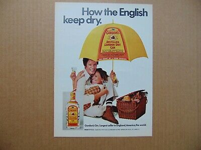 1973 GORDON'S GIN Umbrella Couple Picnic Basket vintage art print ad