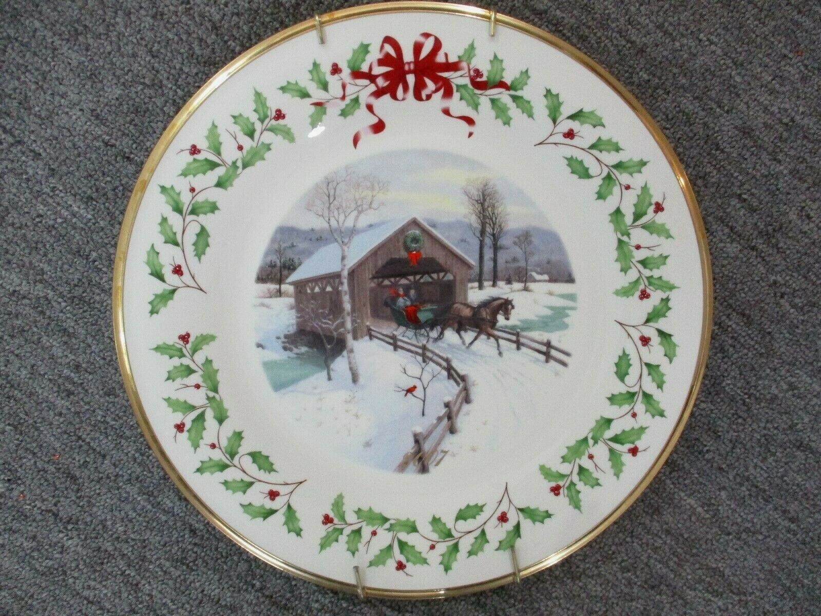 Lenox Annual Holiday Collectors Christmas Plate 2007 Covered Bridge