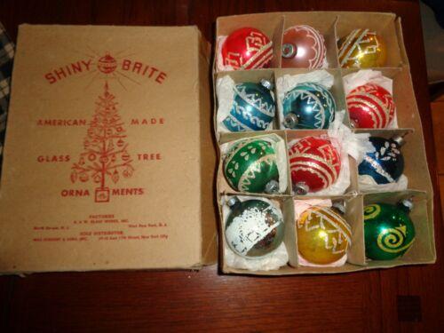 12 VINTAGE SHINY BRITE GLASS CHRISTMAS TREE ORNAMENTS WITH BOX VERY NICE BULBS
