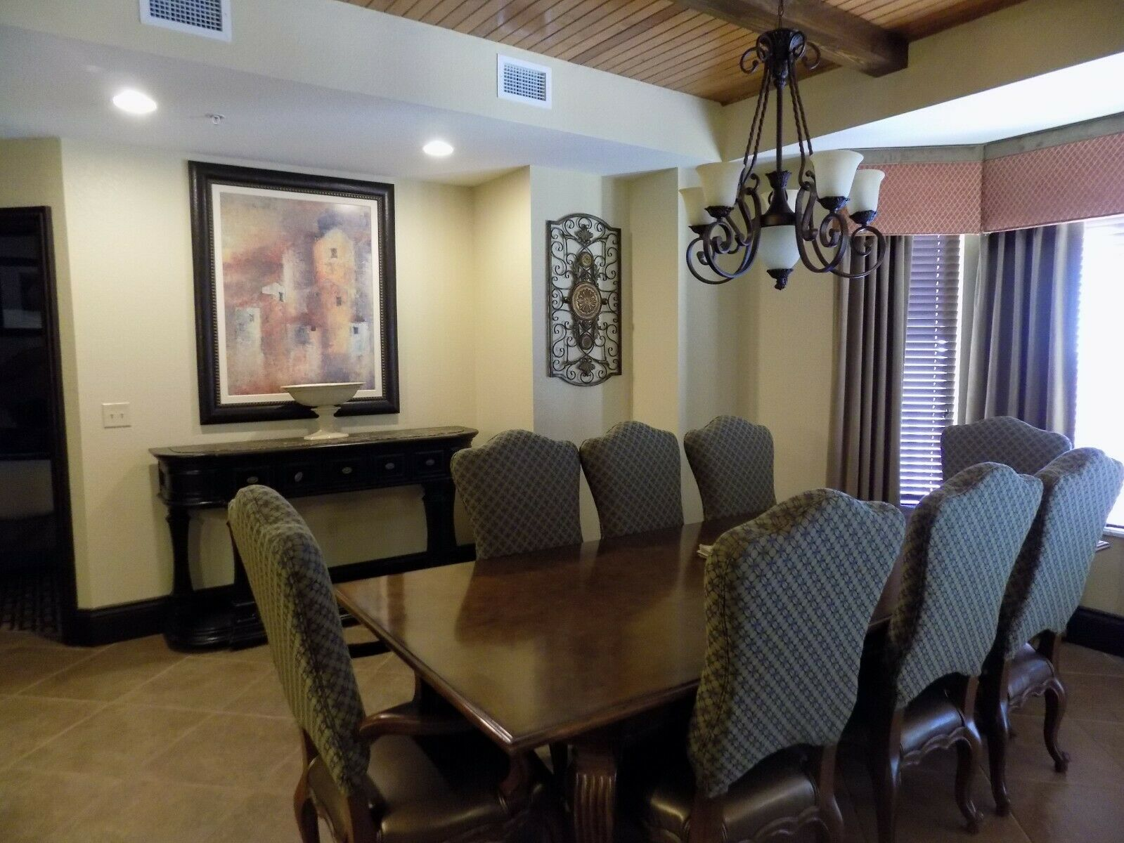 3 BEDROOM PRESIDENTIAL 4 NTS 10/31 - 11/4 BONNET CREEK ORLANDO OCTOBER 31 - $599.00
