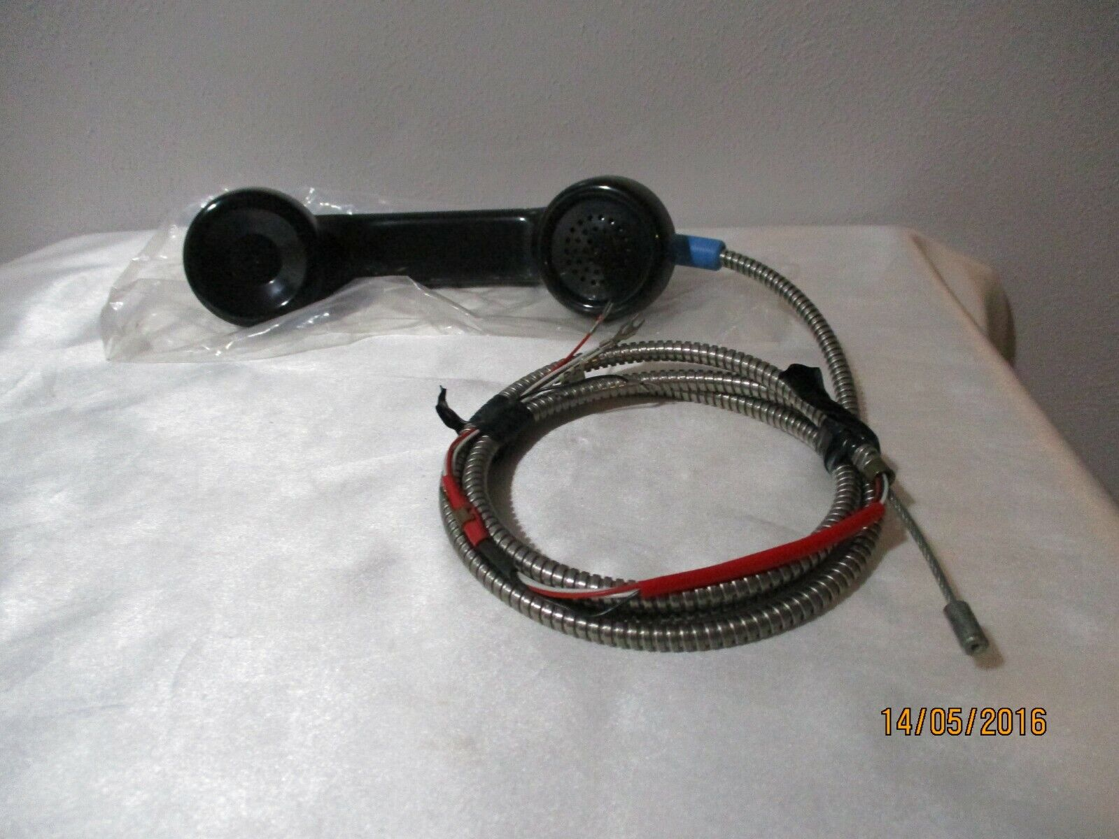 """VINTAGE PAY PHONE HANDSET/ RECEIVER WITH 53"""" LONG CORD NEVER USED (011)"""