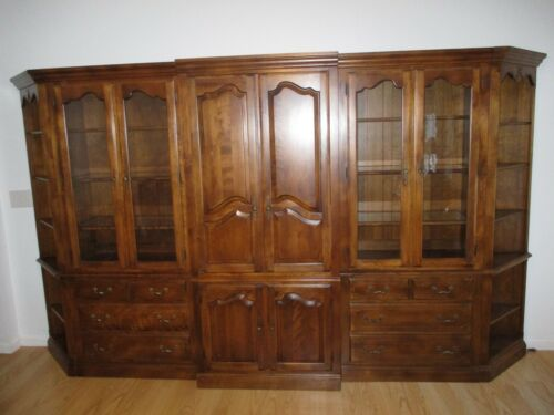 Ethan Allen Country French Collection 7 Piece Wall Unit - Beautiful!