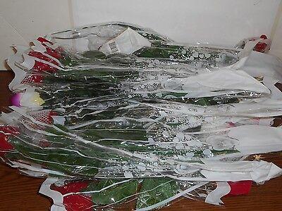 LOT OF 16 LIGHT UP ROSES. *13 LIGHT UP, 3 DO NOT LIGHT - Light Up Roses