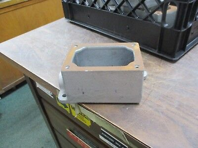 Crouse-hinds Explosion Proof Device Box Eds 271 34 Used