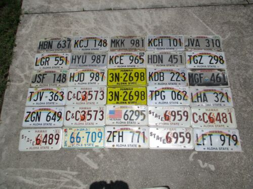 30 Hawaii license plate lot for collecting or decorating