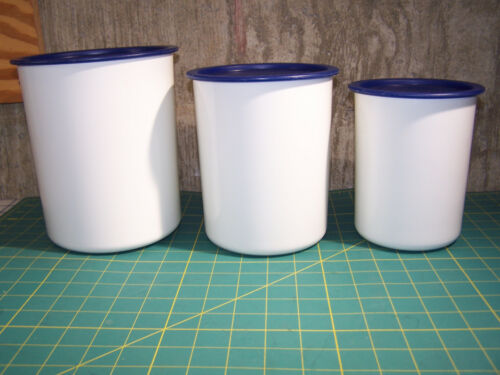 Tupperware 2418, 2420, 2422, 3 Piece White Canister Set w/Blue Lids, Great Shape