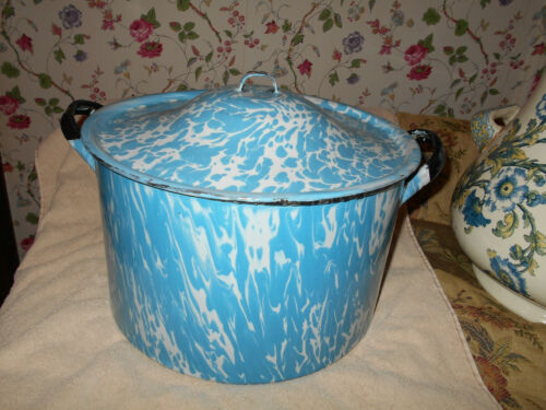 Graniteware Enamelware Cobalt Blue and White Swirl Covered Pot & LId~ Antique~