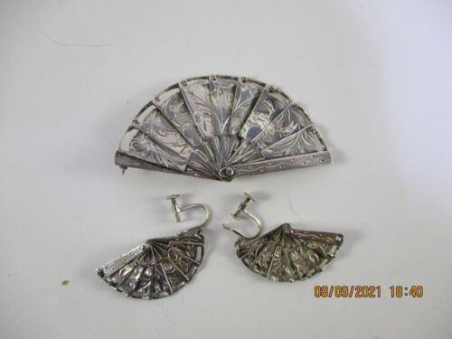 ANTIQUE JAPANESE 950 SILVER PIN BROOCH AND EARRING SET - COLLAPSIBLE FANS