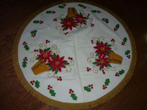 "Vtg Bucilla? Christmas Tree Skirt or Table Cloth Flower Pots Red Flowers 44"""