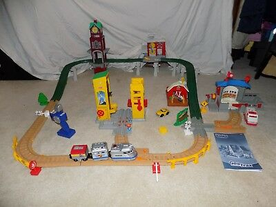 HUGE LOT 50 pc FISHER PRICE GEO TRAX TRAIN set Clock Tower Fire Station Farm