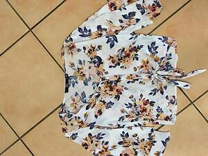 7 x Sportsgirl tops/skirts ladies size 6 Tamworth Tamworth City Preview