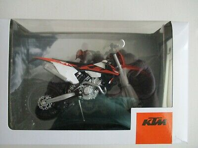 Moto Miniatura KTM 350 EXC F Año 2018 1/12 Repro Grupo