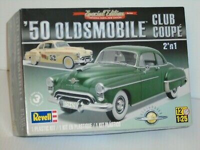REVELL 85-4254 1/25 1950 OLDSMOBILE CLUB COUPE OPEN/FSI