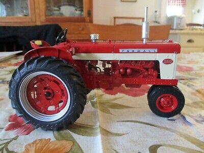 Ertl Precision International IH Farmall 560 1:16 Scale -- MIB Ertl Precision Tractors
