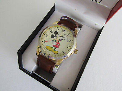 """New Disney Mickey Mouse Men""""""""s  Watch With Brown Leather Band  MCK837"""