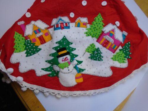"VINTAGE  FELT APPLIQUE CHRISTMAS TREE SKIRT hand stitched beads sequins 49"""