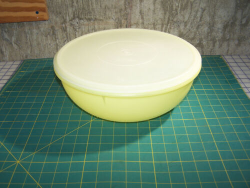 Vintage Tupperware 274 Fix-N-Mix Bowl Yellow Extra Large 26 Cup with Tupper Lid