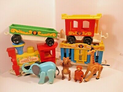Vintage 1973 Fisher Price Little People Circus Train with 4 cars  and 4 Animals