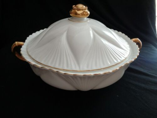 Shelley Made In England White And Gold Covered Vegetable Or Casserole Bowl