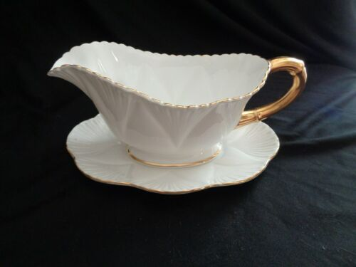 Shelley Made In England White And Gold Gravy Boat With Detached Under Plate