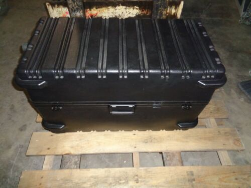 Military Shipping Storage Container Transport Case with Wheels Unused Surplus