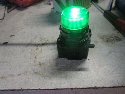 CUTLER HAMMER GREEN LED PILOT LIGHT INDICATOR LIGHT 120 VOLT 10250T/91000T