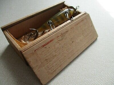 Shakespeare 5 hk Perch Scale Minnow in Original Wood Box