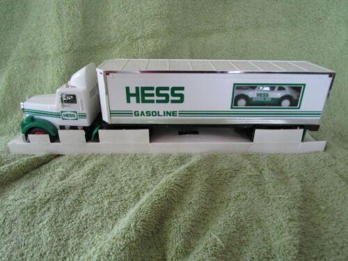 1992 Hess Toy 18 Wheeler &Racer