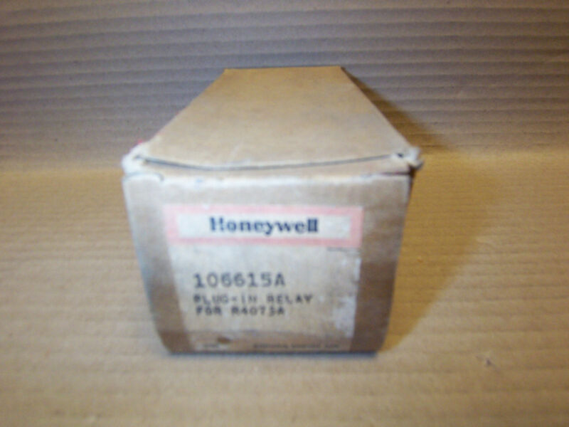 NEW HONEYWELL PLUG-IN RELAY, 106615A, RELAY