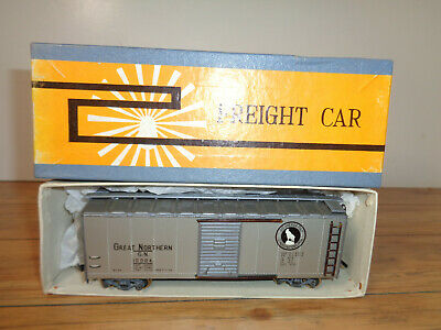 TENSHODO VINTAGE HO SCALE GREAT NORTHERN BOX CAR AND ORIGINAL BOX Great Northern Boxcar